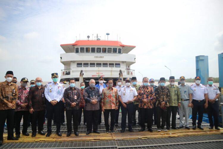 Bupati Tanjab Barat Resmikan Pelabuhan Penyeberangan RO-RO