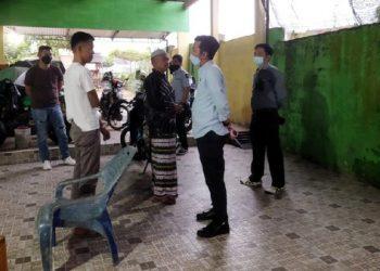 Foto: Jaksa saat mendatangi rumah eks pejabat Jambi tersangka korupsi (dok. Kejaksaan)